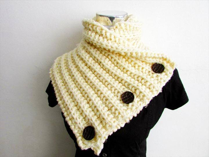 Buttercup Chunky Neckwarmer Knitting Pattern