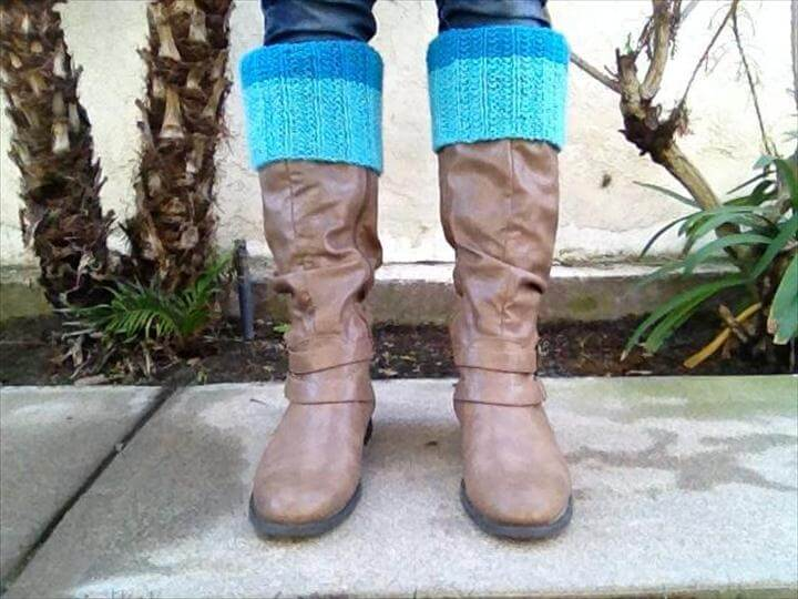 Color Block Boot Cuffs FREE Knitting Pattern for Beginners