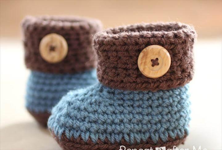 Crochet Cuffed Baby Booties