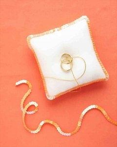 23 Gorgeous DIY Ring Bearer Pillow (Gift Ideas)