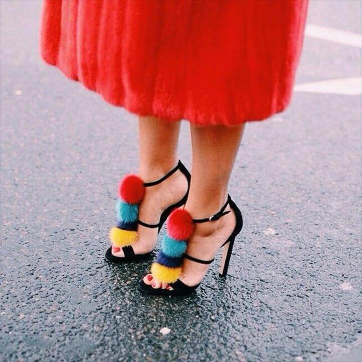 Pom poms footwear
