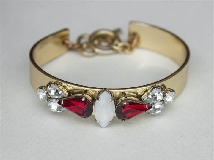 Rhinestone Embellished Bracelet
