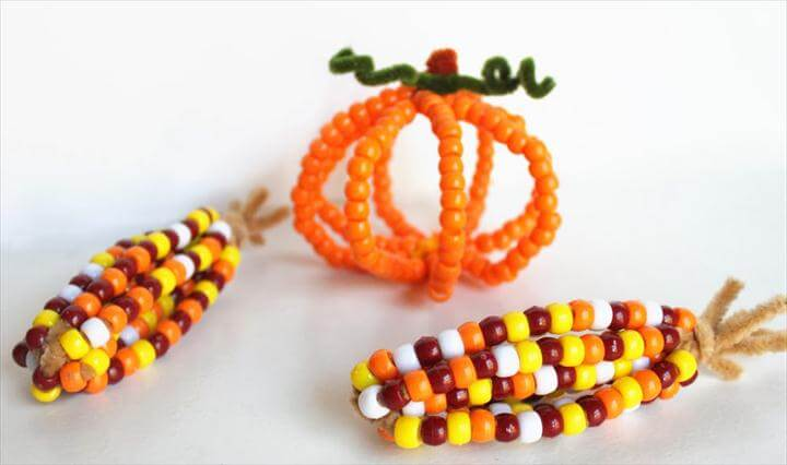 Pony Bead Indian Corn - Fun and easy Thanksgiving craft for the kids!