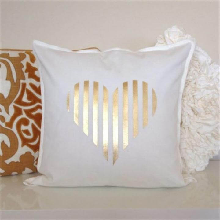 Adorable DIY Pillow Ideas for Valentine's Day