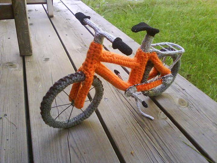 The art of crocheting a bike