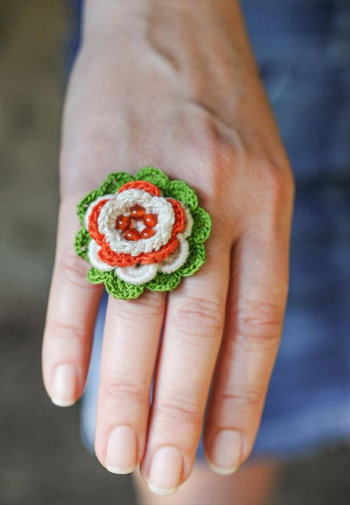 Crochet Rings, Flower Crochet, Crochet Jewellery, Bead Jewellery, Beaded Jewelry, Beaded Rings, Crochet Projects, Cotton Thread, Carnelian