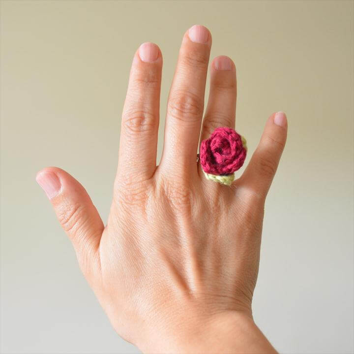 Pretty Crochet Flower Ring