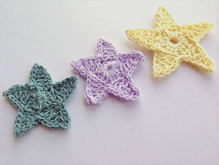 crochet a star featured finished stars