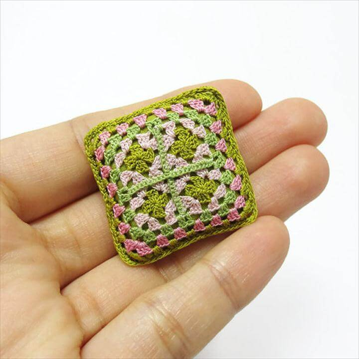 Tiny crochet things: dollhouse crochet