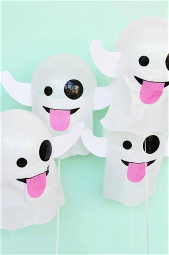 DIY emoji ghost balloons