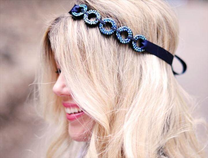 DIY Looping Circles Hair Accessory