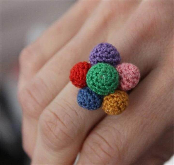 anillo ganchillo, crochet, a todo color.