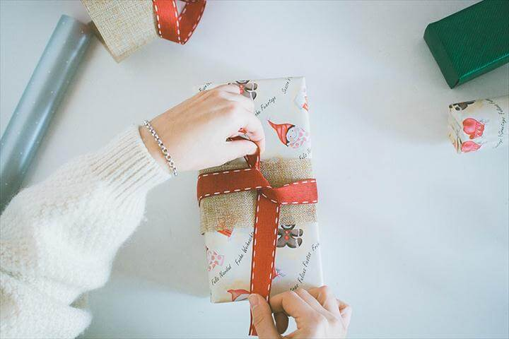 3 Last Minute DIY Gift Wrapping Ideas: Pine Springs ...