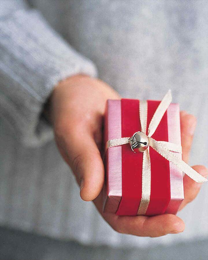 Jingle Bells Wrap