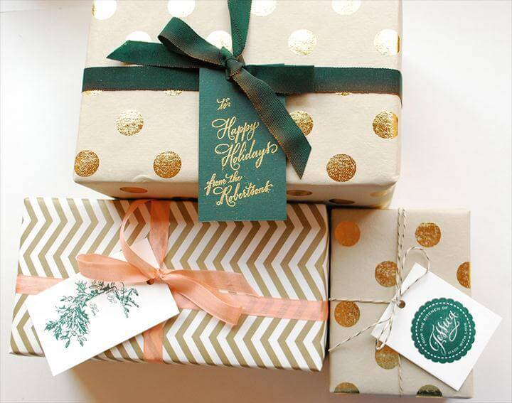 Festive Wrapping with Holiday Gift Tags