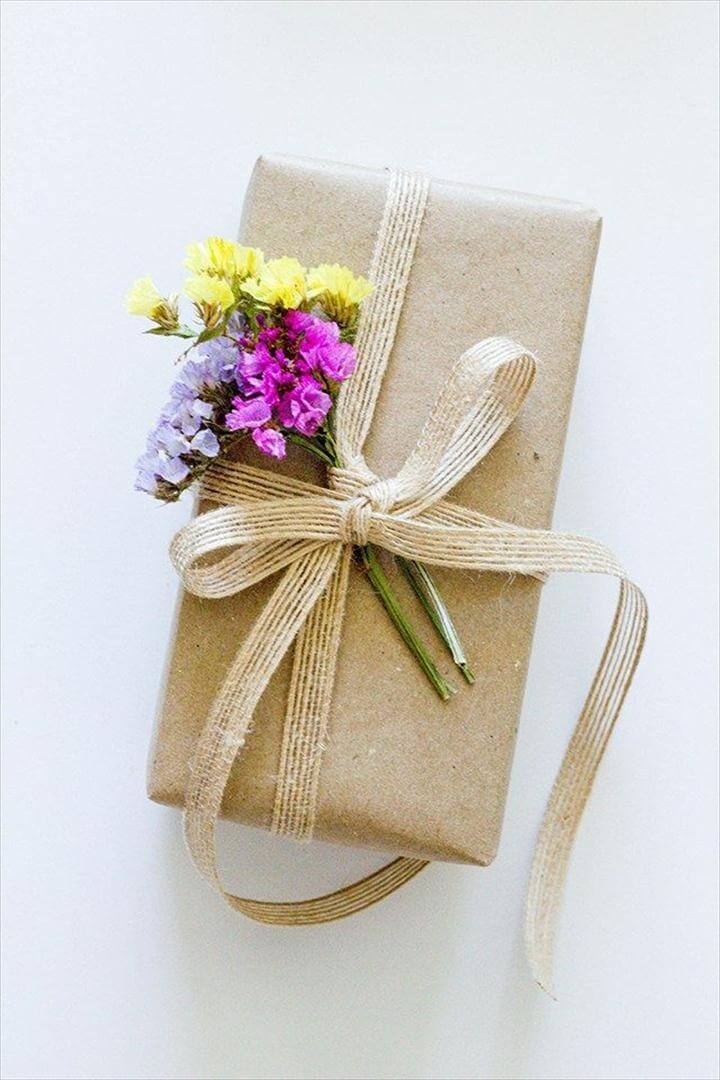 DIY Dried Flower Gift Toppers