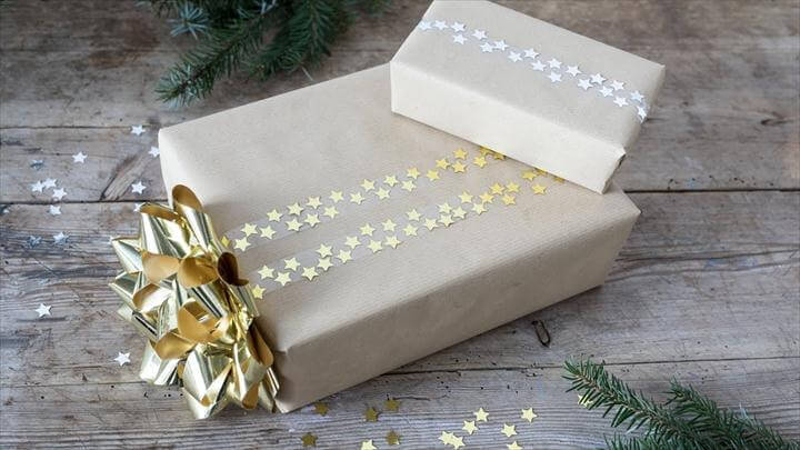 Gift-wrapping idea with glitter