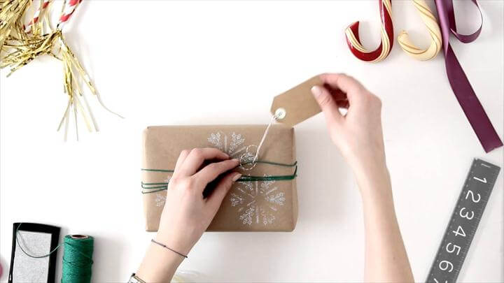 Easy DIY Gift Wrapping Ideas