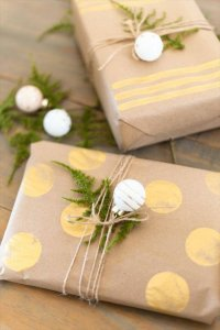30 Clever DIY Gift Wrap Ideas