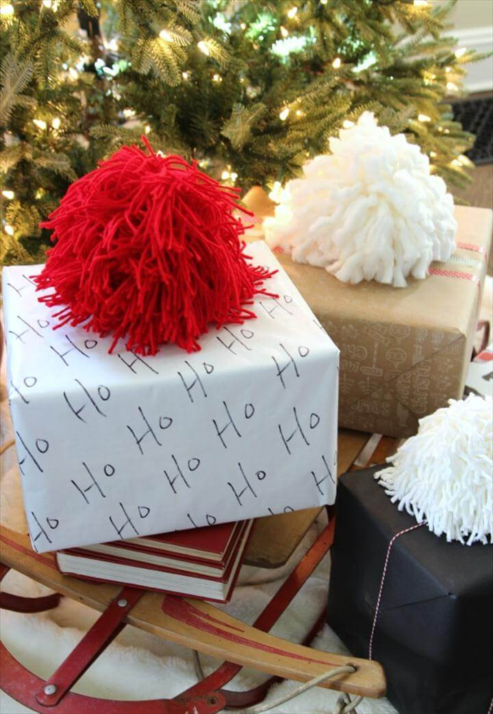 DIY Giant Pom Poms Gift Toppers