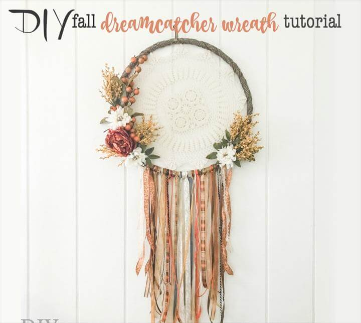 DIY fall dreamcatcher wreath door