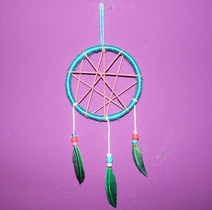 DIY Kid-Friendly Dream Catcher