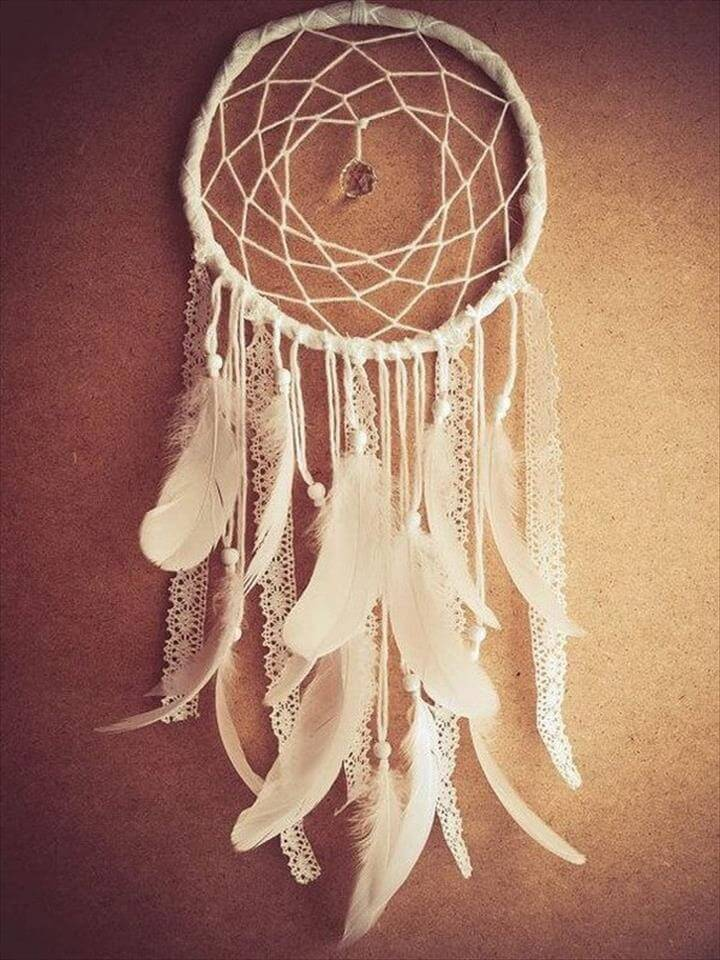 Gorgeous DIY Dreamcatcher Idea