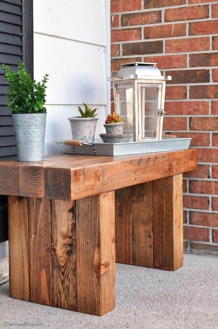 FREE PLANS to build this Classic DIY Outdoor Bench!