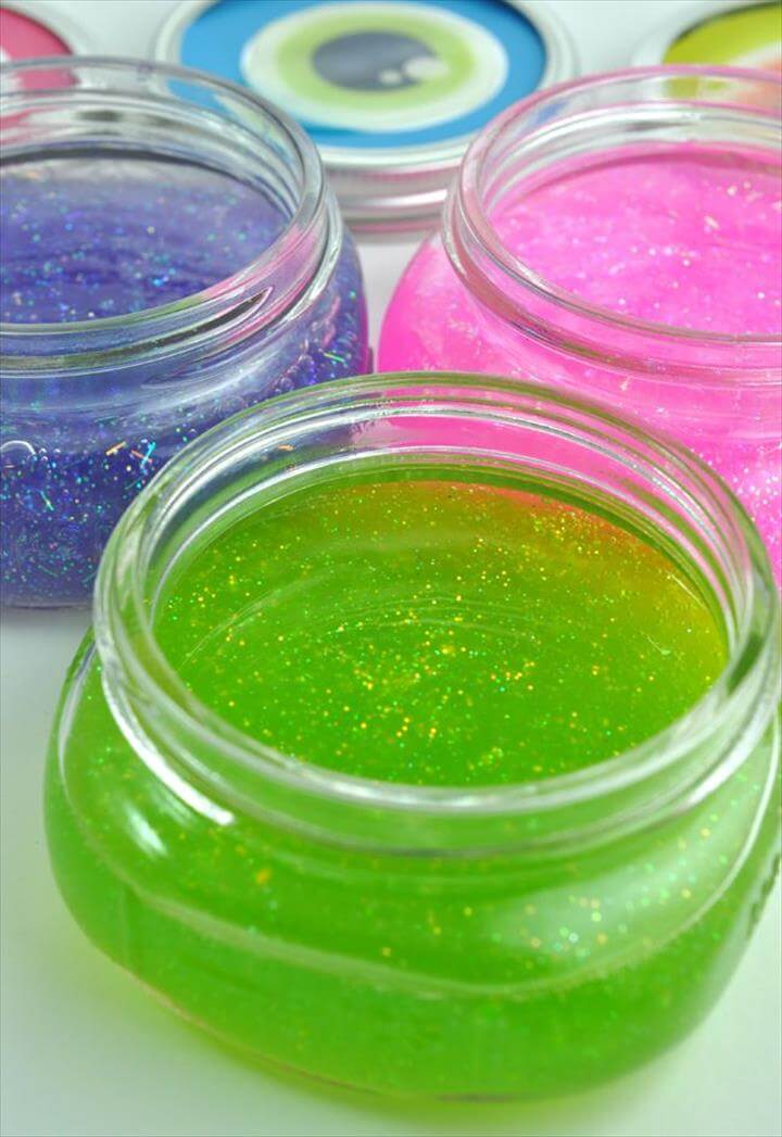 Glitter Slime with Chica Circle