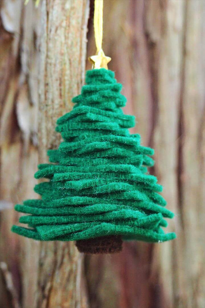 Easy Felt Tree Ornaments...these are the BEST Homemade Christmas Ornament Ideas!