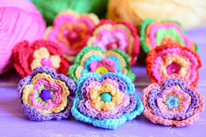 Crochet flowers. Knitted flowers. Crocheted floral pattern
