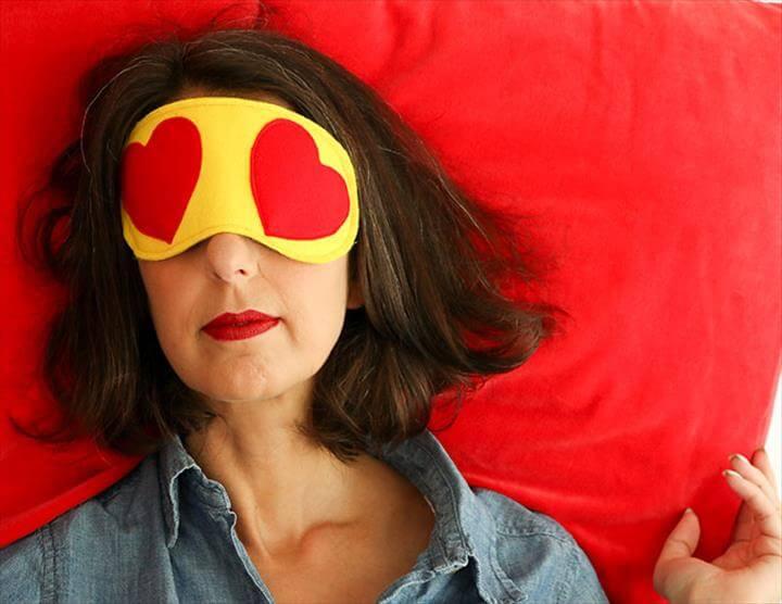 DIY travel sleep eye mask - heart eyes emoji