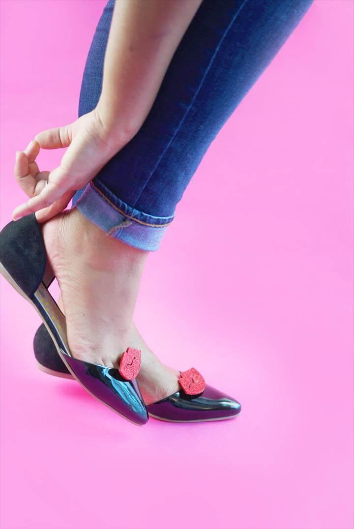 DIY Red Lip Shoe Clips
