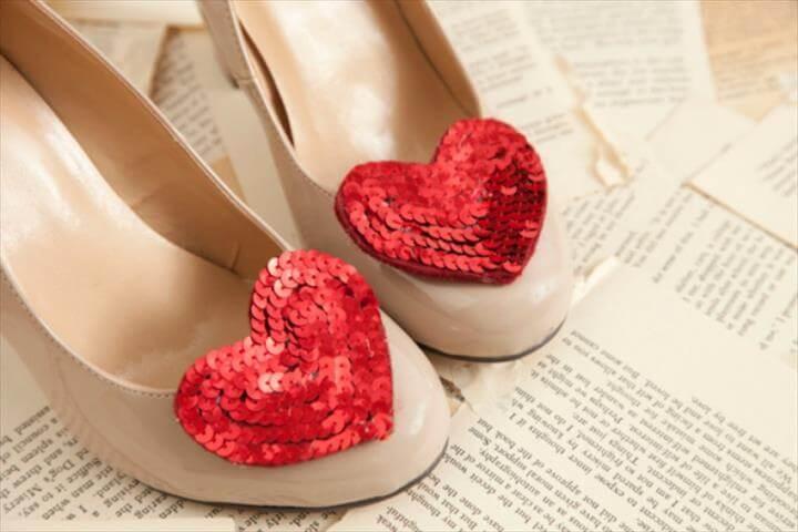 diy sequin shoe cli, hear shoe clip, valentine day shoe clip