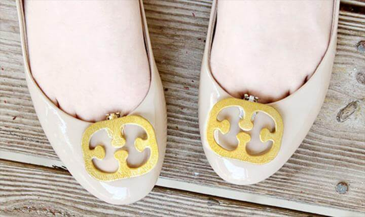 DIY Tory Burch-inspired shoe clips... using those as-seen-