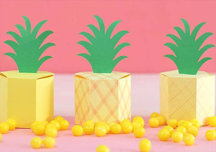 Pineapple Treat Boxes {Free Gift Box Template!}