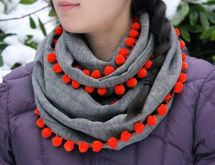 diy scarf, pom pom scarf