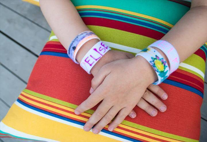 Easy Craft for Kids: DIY Bracelets