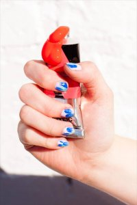 DIY brushstroke nail art