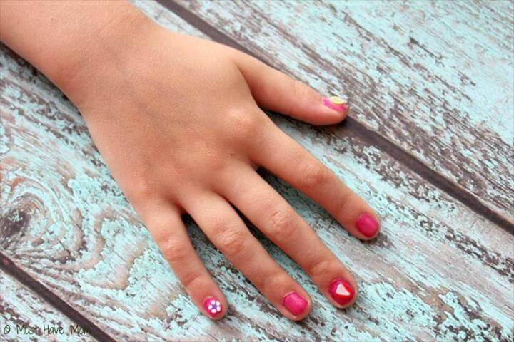 5 Minute DIY French Manicure + DIY Nail Art!