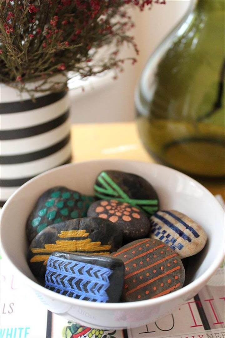Aztec Inspired Painted Rocks - tutorial: simple home decor- I would use these as prayer rocks!