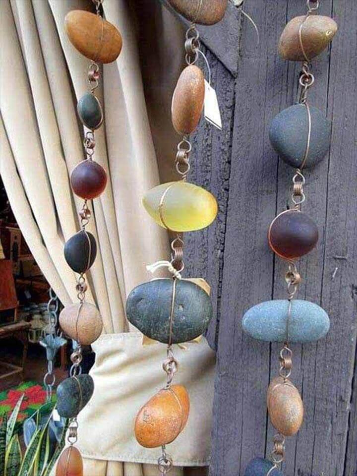 Hanging rock garlands