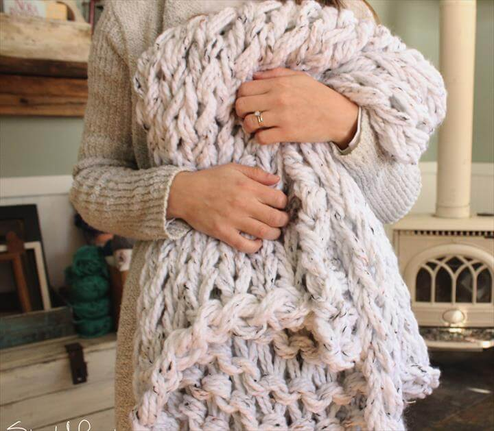 arm knitting, crochet projects, blanket, blanket tutorials, diy craft and projetcs