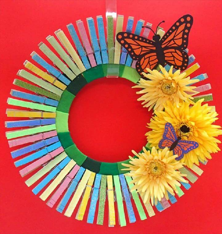 Clothes Pin Wreath, door decor, home decor, wreath ideas, diy gift