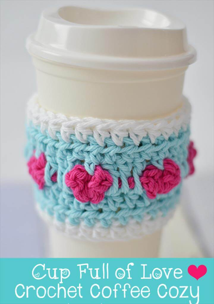 Love Hearts Coffee Cozy – free crochet pattern