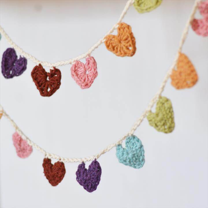 Crochet a Mini Hearts Bunting Banner