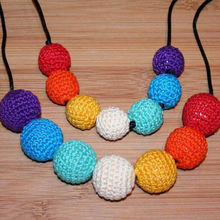 Wooden Crochet Necklace Rainbow in 23mm Beads