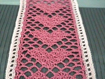 Crochet Sweetheart Lace Scarf Free Pattern - Crochet Valentine Heart Gift Ideas Free Patterns