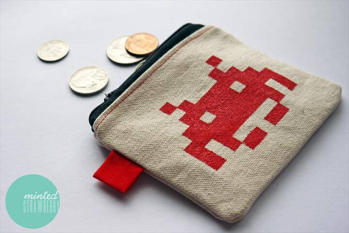 DIY: SPACE INVADERS COIN POUCH