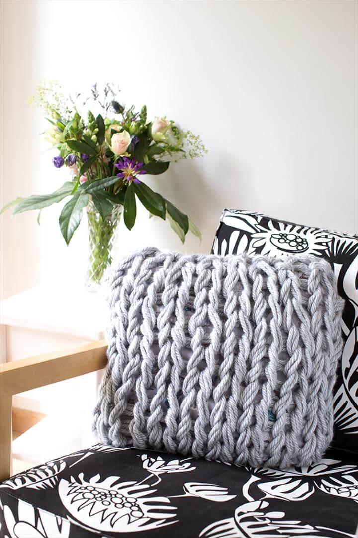 DIY arm knit cushion cover